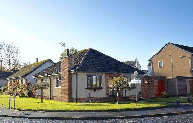 3 Bedrooms Bungalow for sale in Abbots Way, Doonfoot, Ayr