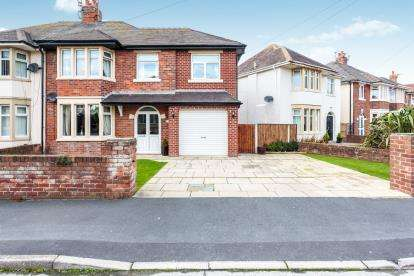 4 Bedrooms Semi Detached House for sale in Glenmere Crescent, Thornton-Cleveleys, Lancashire, ., FY5