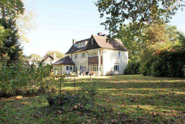 6 Bedrooms Detached House for sale in East Horsley, Leatherhead, Surrey