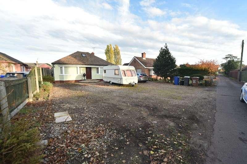 4 Bedrooms Detached Bungalow for sale in Roughlands, Lakenheath, Brandon