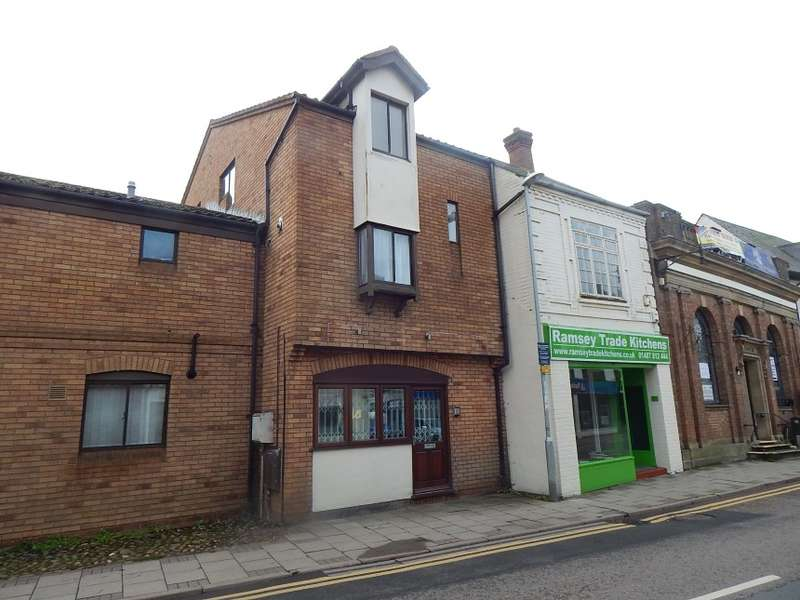 3 Bedrooms Maisonette Flat for sale in 71A High Street, Ramsey, Huntingdon, Cambridgeshire