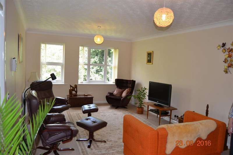 2 Bedrooms Apartment Flat for sale in Arnoldfield Court, Gonerby Hill Foot, Grantham
