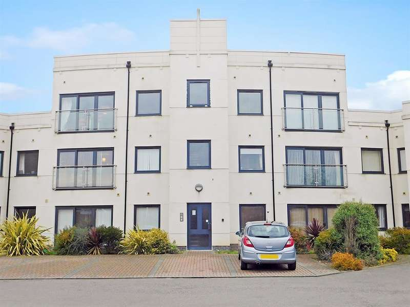 2 Bedrooms Flat for sale in Belton Park Road, Skegness, PE25 1GU