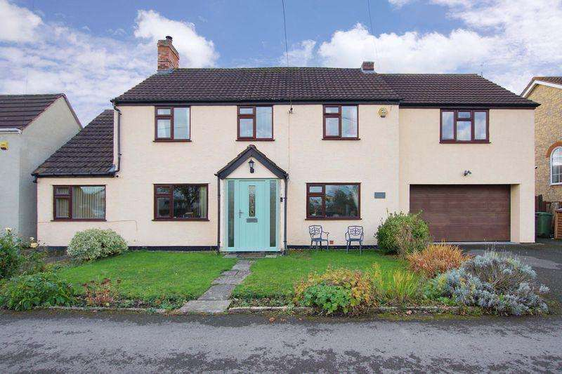 4 Bedrooms Detached House for sale in Newtown, Charfield, GL12 8TF