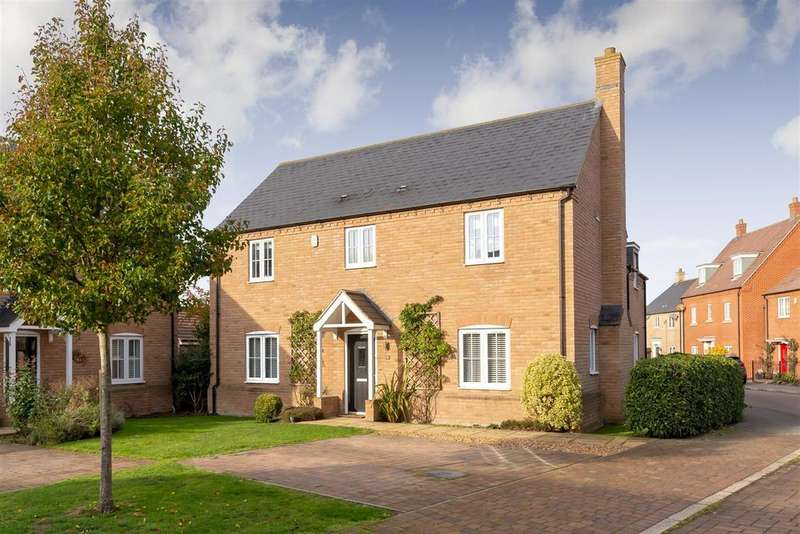 4 Bedrooms Detached House for sale in Willowherb Way, Stotfold, Hitchin