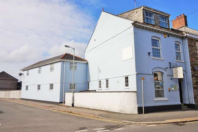 9 Bedrooms Guest House Commercial for sale in Russell Street, Liskeard