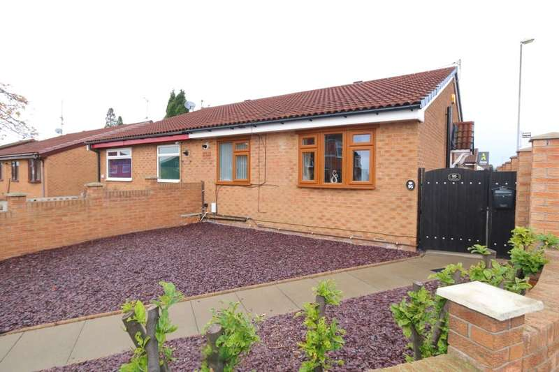 2 Bedrooms Semi Detached Bungalow for sale in Mansfield Avenue, Denton, Manchester, M34