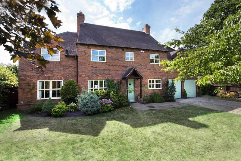 5 Bedrooms Detached House for sale in Far Hill House, Freasley, Tamworth