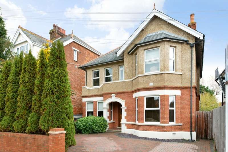 5 Bedrooms Detached House for sale in Shorncliffe Road, Folkestone, CT20