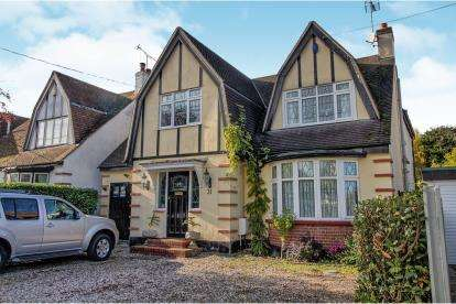 5 Bedrooms Detached House for sale in Rochford, Essex, Uk