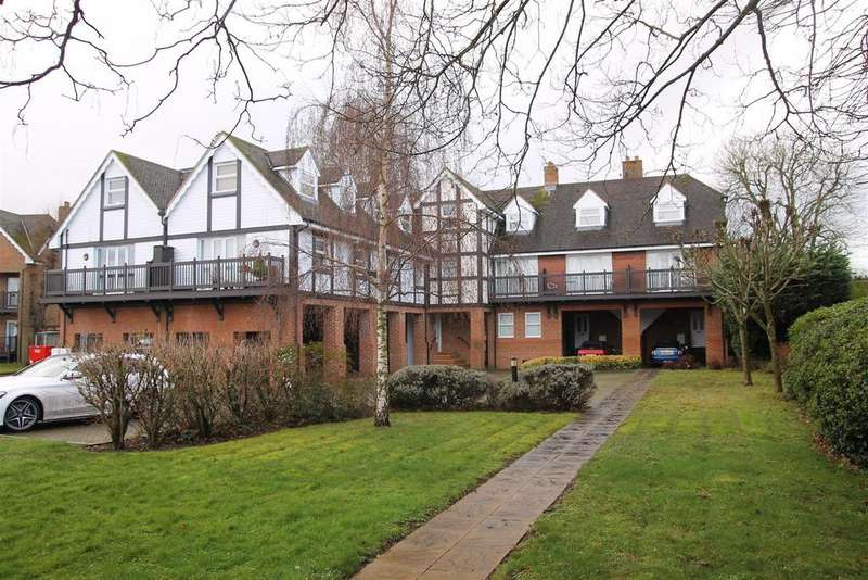 2 Bedrooms Apartment Flat for sale in Straight Road, Old Windsor