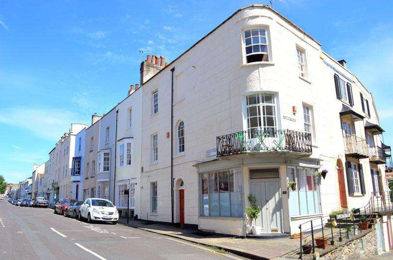 2 Bedrooms Apartment Flat for sale in Princess Victoria Street, Clifton