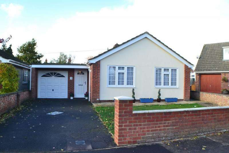 3 Bedrooms Detached Bungalow for sale in The Alders Thatcham