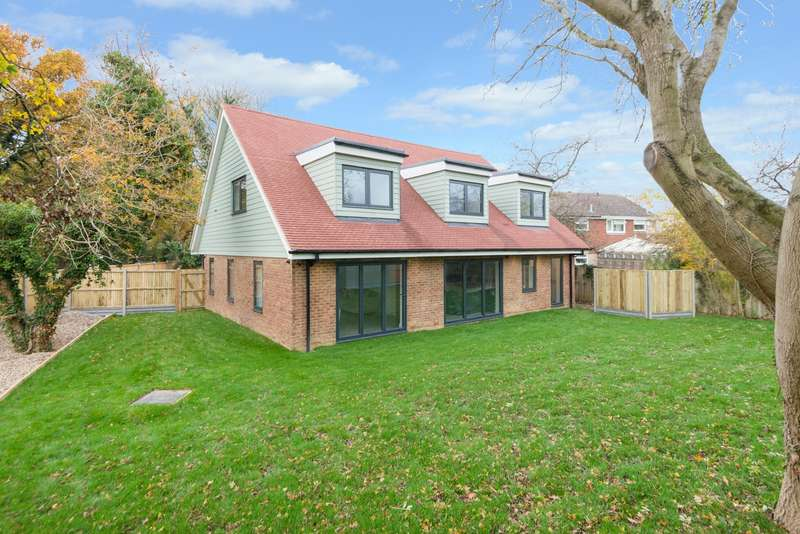 5 Bedrooms Detached House for sale in Chart Road, Kingsnorth, Ashford, TN23