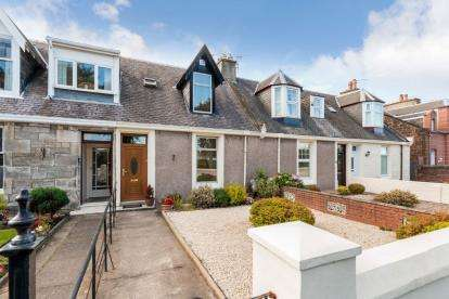 3 Bedrooms Terraced House for sale in Bellesleyhill Avenue, Ayr