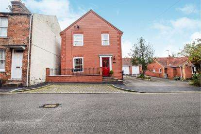 4 Bedrooms Detached House for sale in Ashley Road, Louth, Lincolnshire