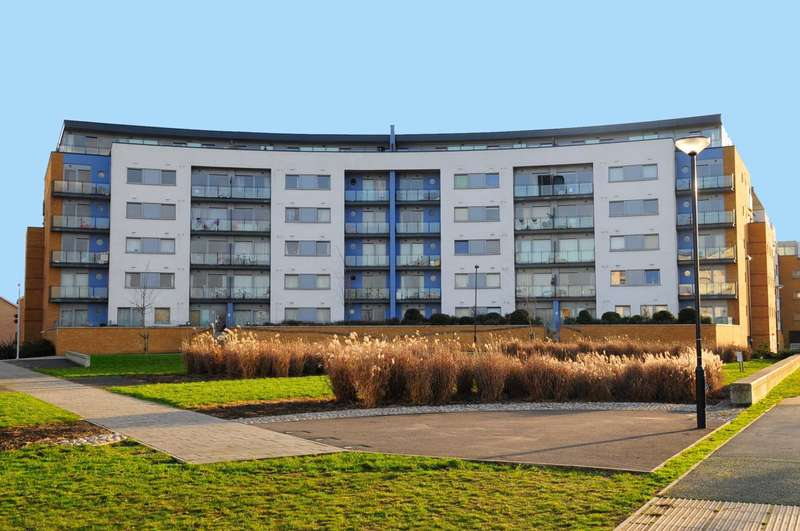 2 Bedrooms Apartment Flat for sale in Tideslea Path, Thamesmead, SE28 0NH