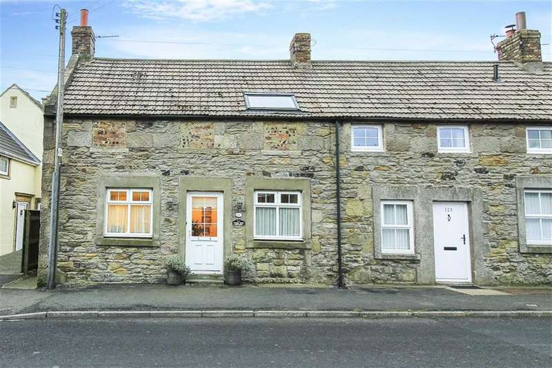 3 Bedrooms Terraced House for sale in Main Street, Seahouses, Northumberland