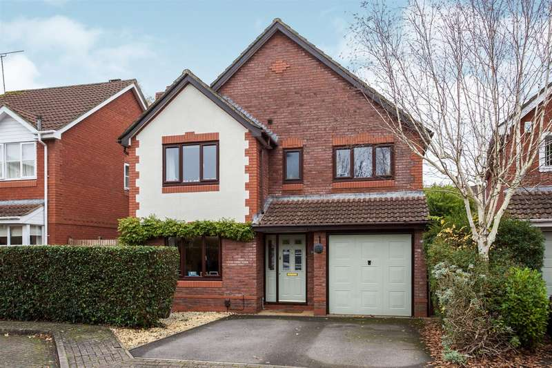 4 Bedrooms Detached House for sale in Field View, Chandler's Ford, Eastleigh