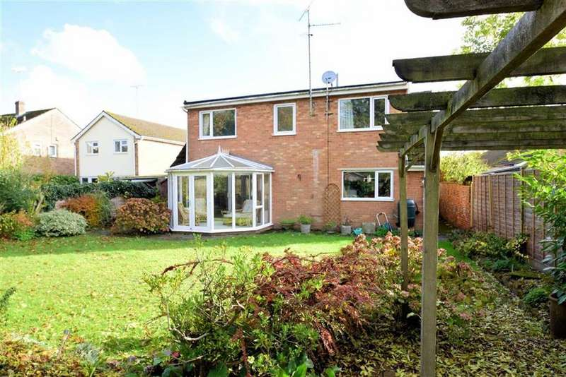 5 Bedrooms Bungalow for sale in Rowan Close, Sonning Common, Reading