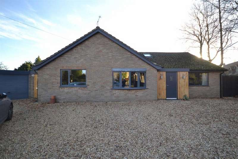 4 Bedrooms Detached Bungalow for sale in Empingham Road, Stamford