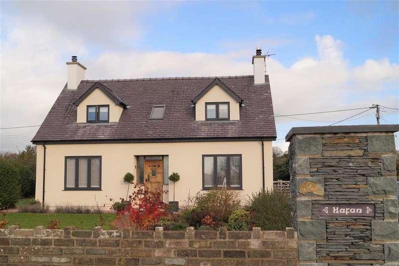 3 Bedrooms Detached House for sale in Efailnewydd, Pwllheli