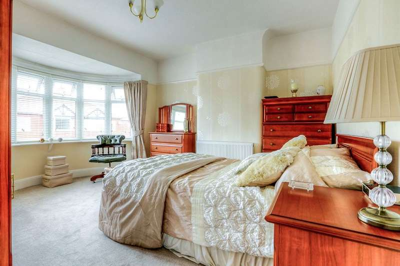 3 Bedrooms Semi Detached House for sale in Curzon Road, Stockport, SK2