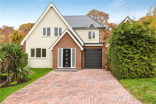 4 Bedrooms Detached House for sale in Lower Village Road, Sunninghill, Berkshire