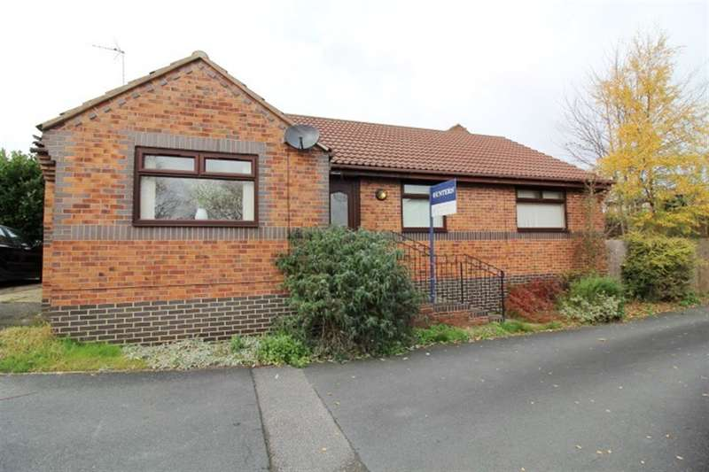 3 Bedrooms Detached Bungalow for sale in Woodside Lawn, Farnley, LS12
