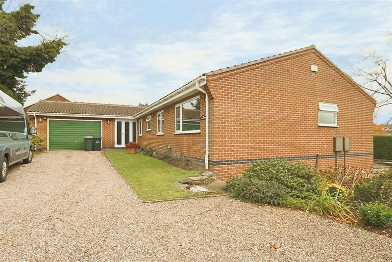 3 Bedrooms Detached Bungalow for sale in Sandfield Road, Arnold, Nottingham, NG5 6QB