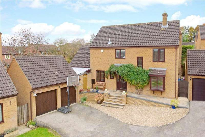 4 Bedrooms Detached House for sale in Chatsworth, Great Holm, Milton Keynes, Buckinghamshire