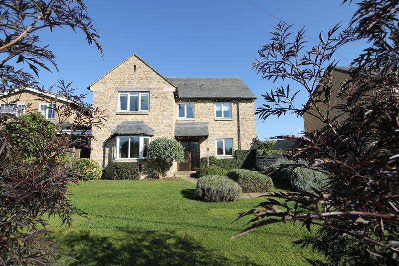 4 Bedrooms Detached House for sale in Castle Road,Lavendon