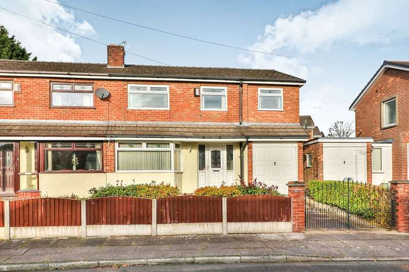 4 Bedrooms Semi Detached House for sale in Bankhouse Road, BURY, BL8