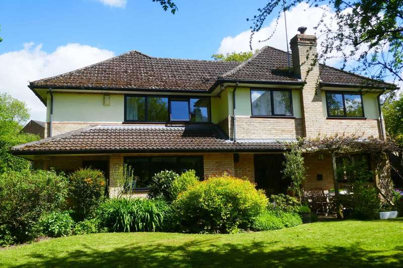 5 Bedrooms Detached House for sale in Chapel Row, Bucklebury Common, Berkshire.