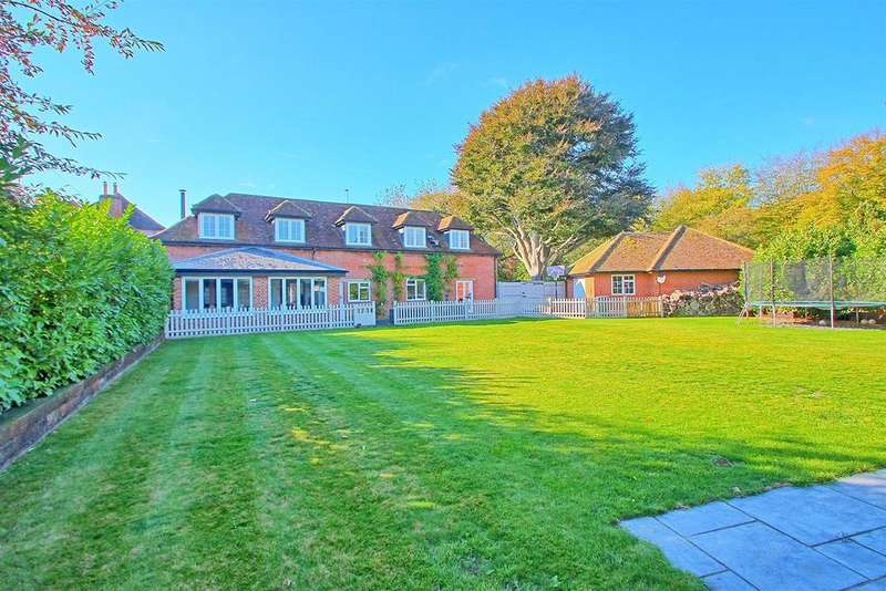 4 Bedrooms Detached House for sale in STABLE CONVERSION IN STUNNING LOCATION - HUNSDONBURY