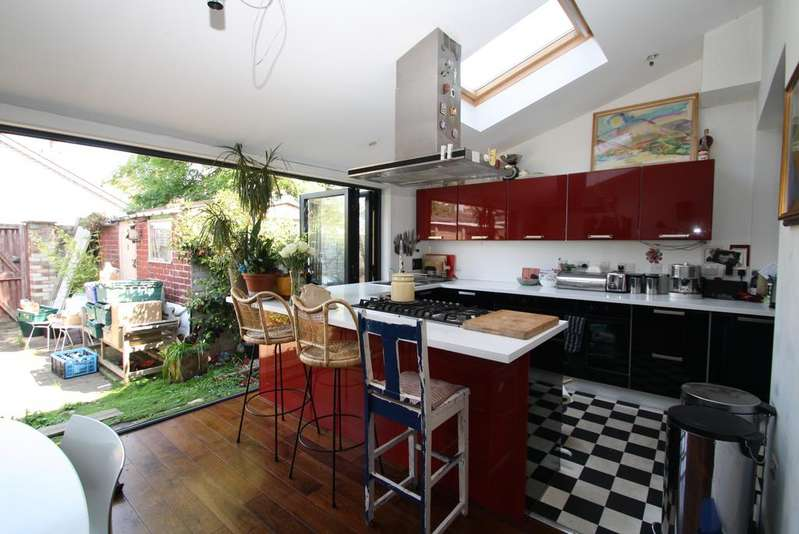 4 Bedrooms End Of Terrace House for sale in Endymion Road, Brixton, London SW2