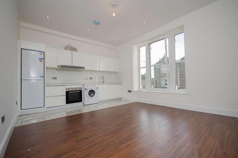 1 Bedroom Flat for sale in Broad Street, Staple Hill, Bristol, BS16 5NX