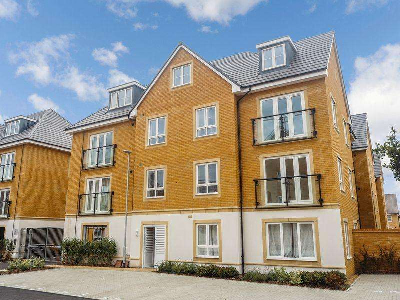 2 Bedrooms Apartment Flat for sale in Kenyon Way, Langley Road