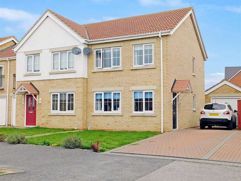3 Bedrooms End Of Terrace House for sale in Belton Park Road, Skegness, Lincs, PE25 1GS