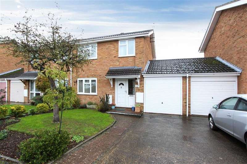 3 Bedrooms Semi Detached House for sale in Carina Drive, Leighton Buzzard