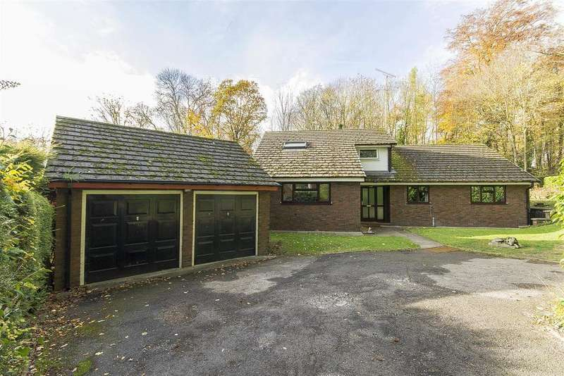 4 Bedrooms Detached Bungalow for sale in Old Road, Brampton, Chesterfield