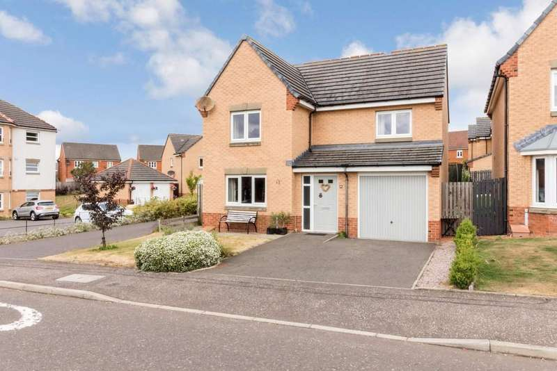 4 Bedrooms Detached House for sale in 91 Kingfisher Place, Dunfermline, KY11 8JN