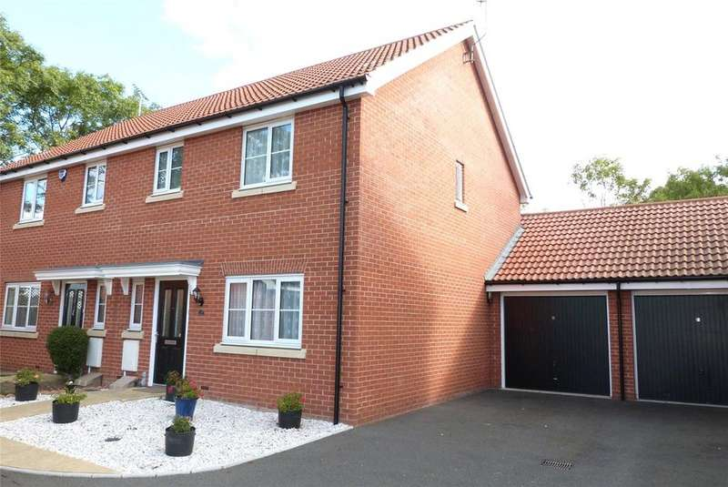 3 Bedrooms Semi Detached House for sale in Montague Street, Basildon, Essex, SS14