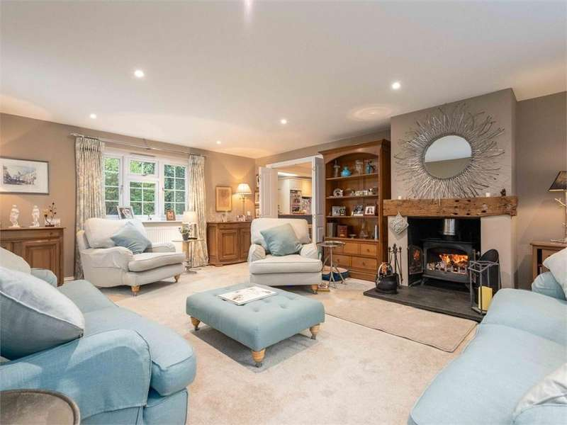 5 Bedrooms Detached House for sale in Dudley Cottages, Simplemarsh Road, ADDLESTONE, Surrey