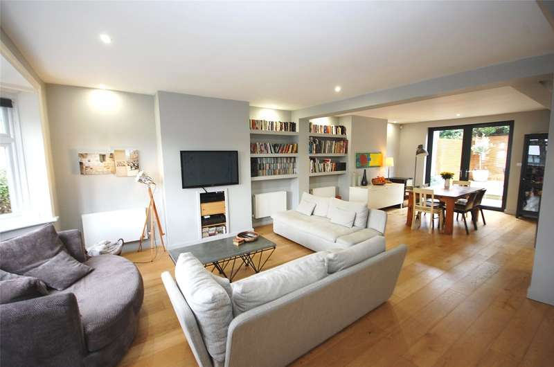 4 Bedrooms Property for sale in Beechwood Avenue Finchley London