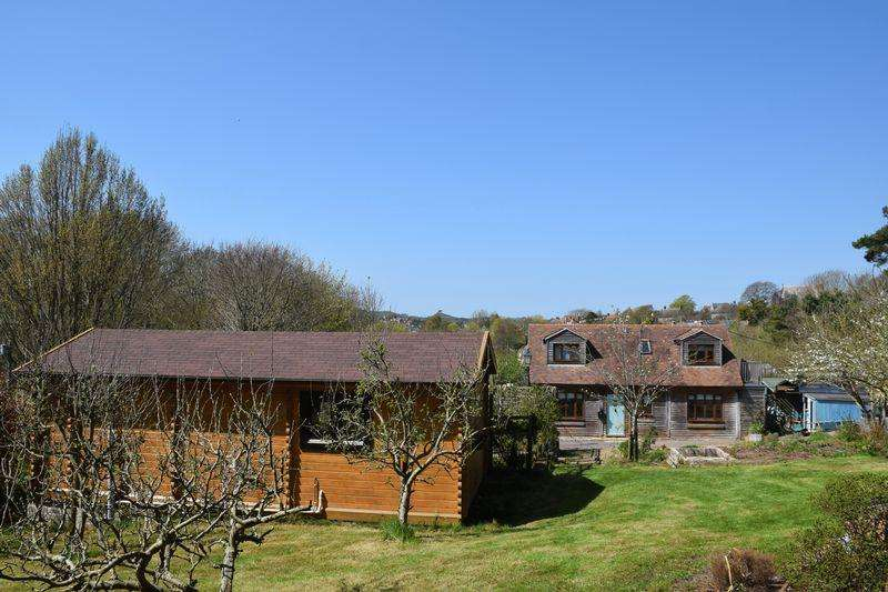 3 Bedrooms Detached House for sale in LITTLE BLOSSOMS CHALET MONET, QUARRY LANE, BOTHENHAMPTON, BRIDPORT