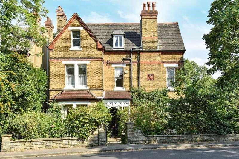 7 Bedrooms Detached House for sale in Scotts Lane, Shortlands