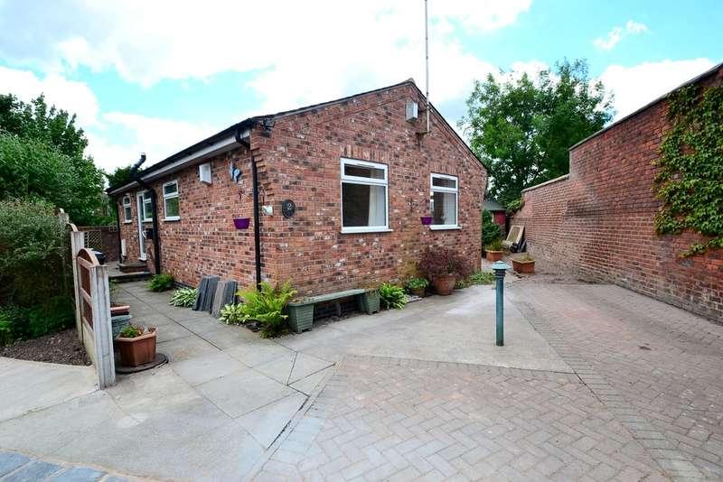 2 Bedrooms Detached Bungalow for sale in Fir Close, Hazel Grove, Stockport SK7 4JZ