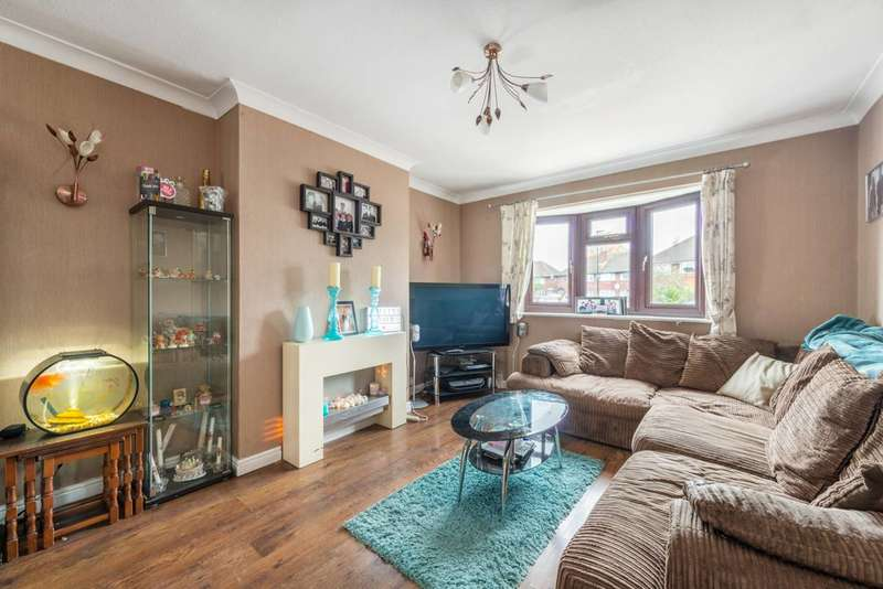 5 Bedrooms Semi Detached House for sale in The Gardens, Bedfont, TW14