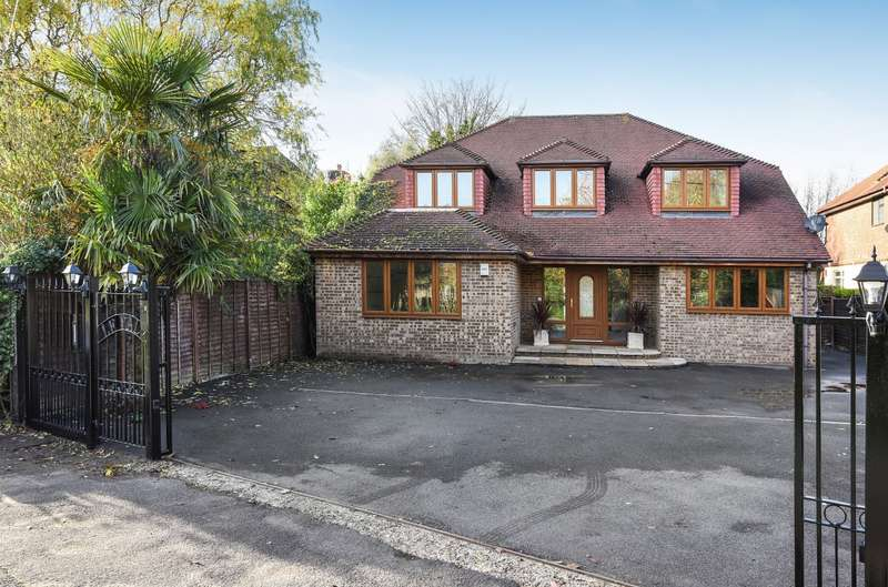 4 Bedrooms Detached House for sale in Friary Road, Wraysbury, TW19